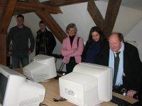 Die Landtagsabgeordneten Reinhold Hilbers (1.v.re.) und Britta Siebert (2.v.re.) besuchten das Jugendhaus in Bad Bentheim